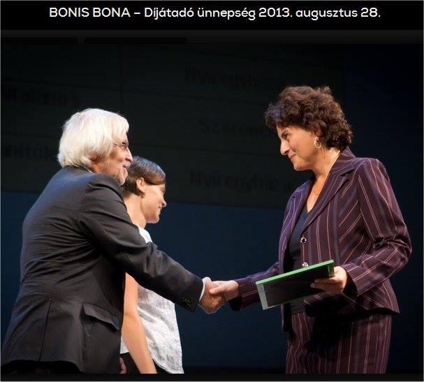 Bonis Bonita átadás Kamocsai Antalné Tagiskolavezető